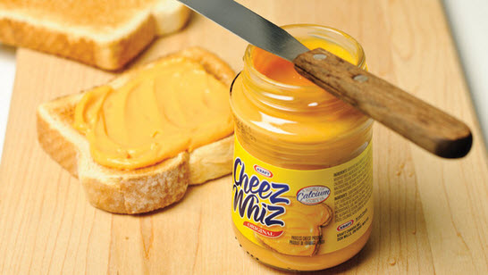 Pr paration fondu du fromage kraft cheez whiz 1 72 for Fromage en special