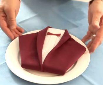 comment plier une serviette de table en forme de smoking quebec echantillons gratuits. Black Bedroom Furniture Sets. Home Design Ideas