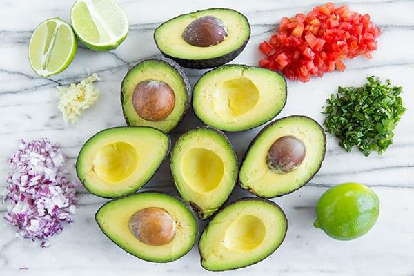 3 minutes pour préparer un délicieux guacamole !