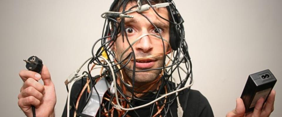 Astuce de g nie pour ranger tous les cables et fils l ctriques quebec echantillons gratuits - Comment ranger les fils electriques ...