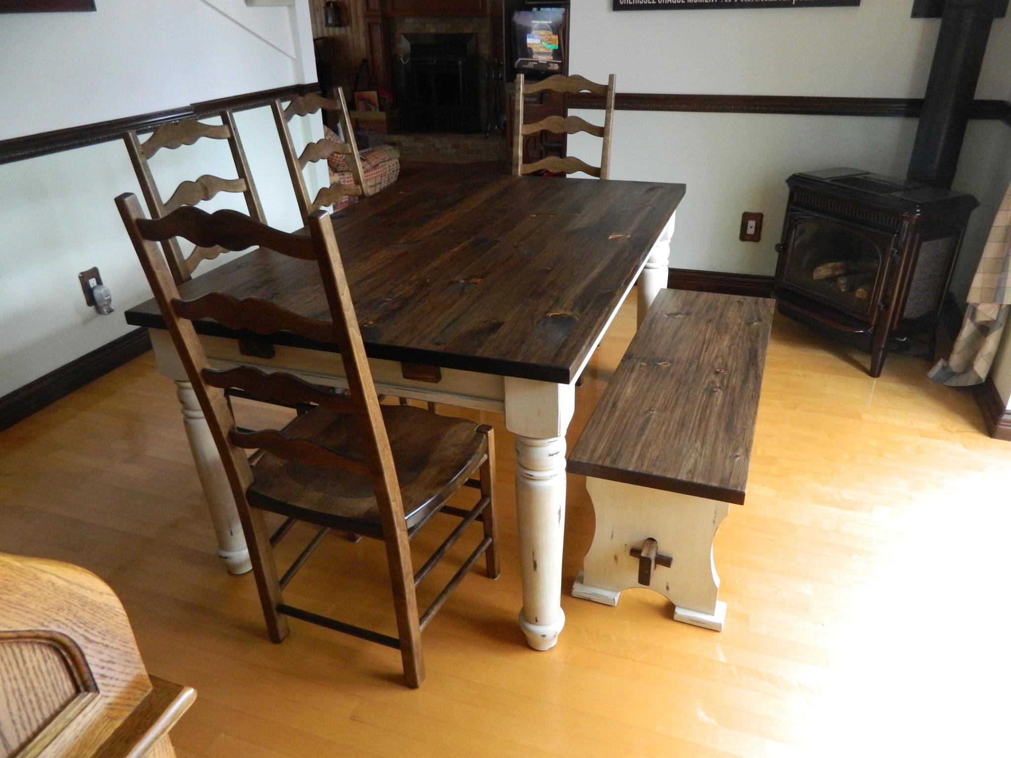 Gagnez une superbe table vde salle manger en bois for Table salle a manger quebec