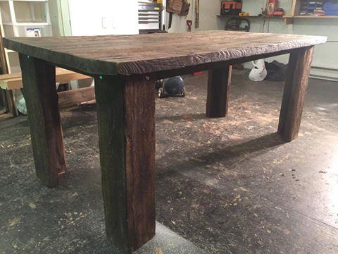 gagnez une superbe table en bois de grange de 895 quebec echantillons gratuits. Black Bedroom Furniture Sets. Home Design Ideas