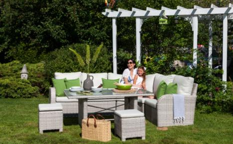Ensemble de meubles de jardin Bella de 2700$ à gagner ...